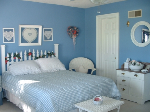 Teal Blue Bedroom: Bedroom Design Decor: Bright Teal Blue Bedroom