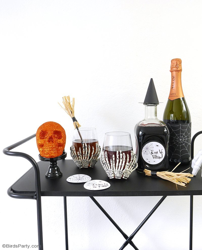 Quick & Easy Halloween Party Crafts with Free Printables - get your craft on with these simple DIY decorations to spookify your celebrations and party! by BirdsParty.com @birdsparty