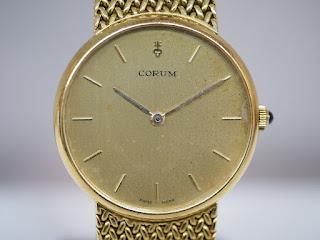 コルムの腕時計を買取ました 動かなくても壊れていても捨てずに査定をお願いします