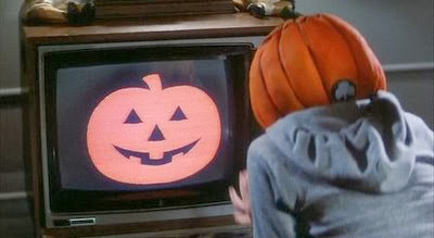 http://lifebetweenframes.blogspot.com/2013/10/5-horror-films-to-watch-on-halloween.html