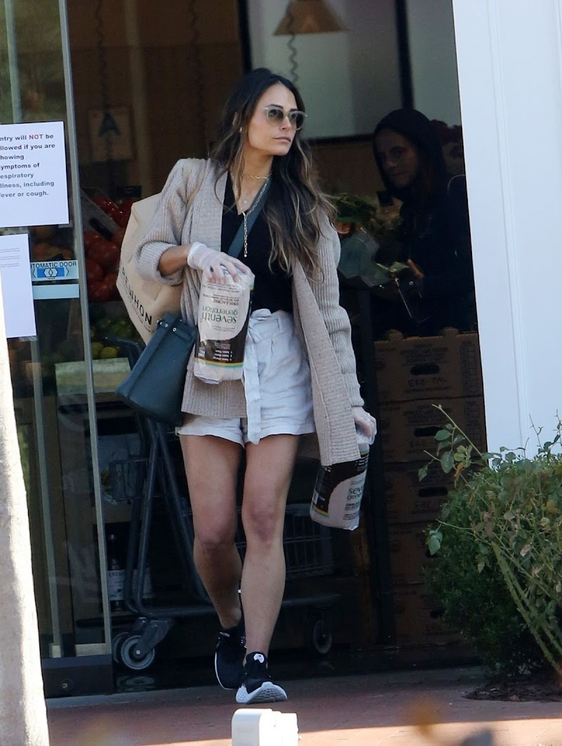 Jordana Brewster Clicked in Shorts Out Shopping in Pacific Palisades 21 Mar -2020