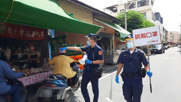 防堵傳統市場成疫情破口 北斗警分局宣導防疫戴口罩