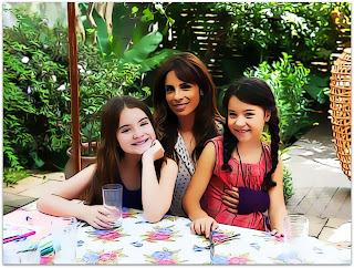 Como Nossos Pais - Nara (Sophia Valverde), Rosa (Maria Ribeiro) e Juliana (Annalara Prates)
