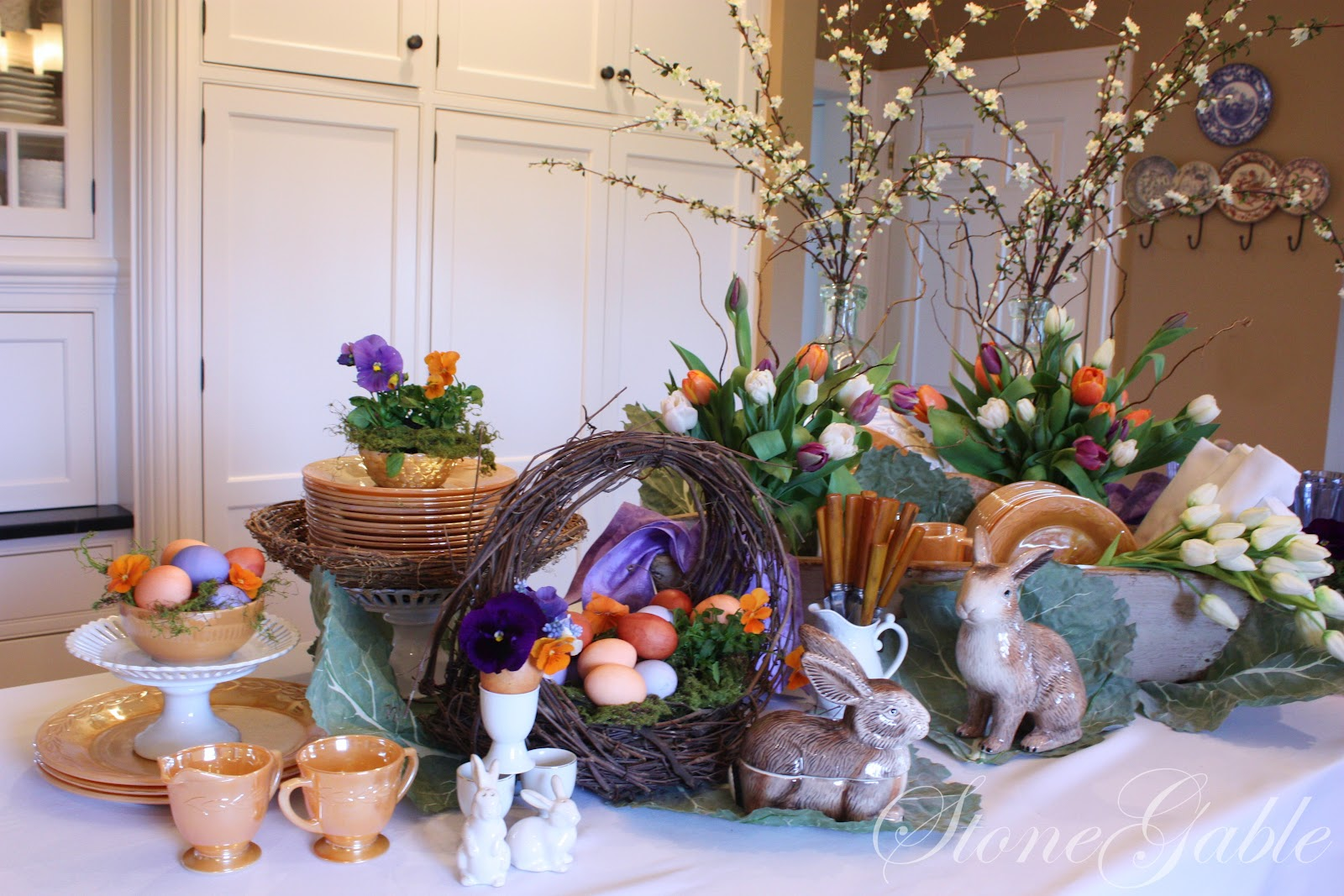 How To Decorate A Buffet: EASTER BUFFET