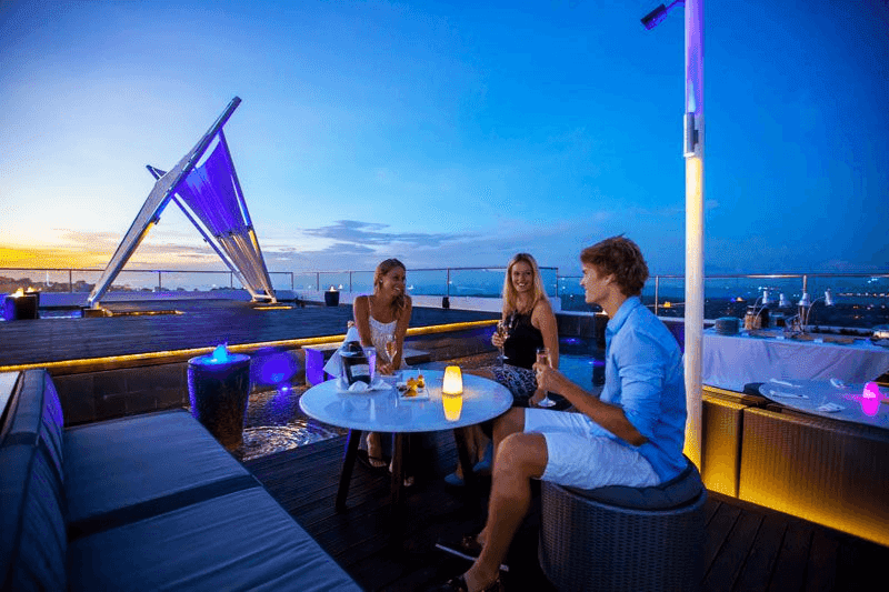 Rooftop Bar nơi tận hưởng dành cho mọi cư dân