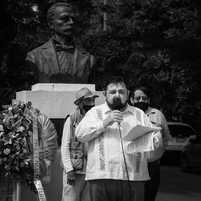 Entregan la Pluma de Oro 2021 a cinco decanos periodistas yucatecos