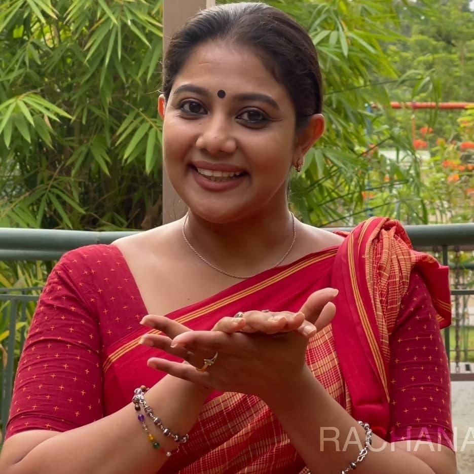 South Indian Actress Rachana Narayanankutty Dance Tutorial Photos