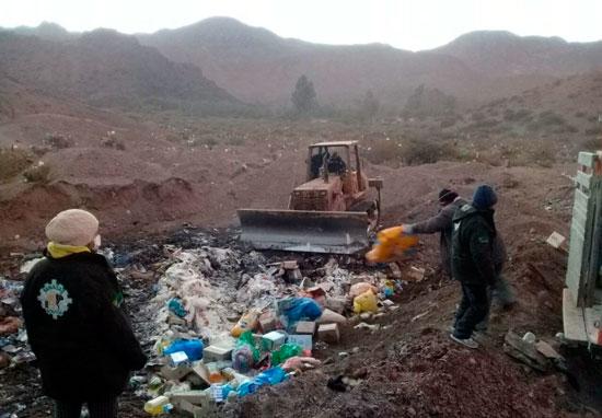 Destruyen 9 toneladas de productos decomisados en Villazón