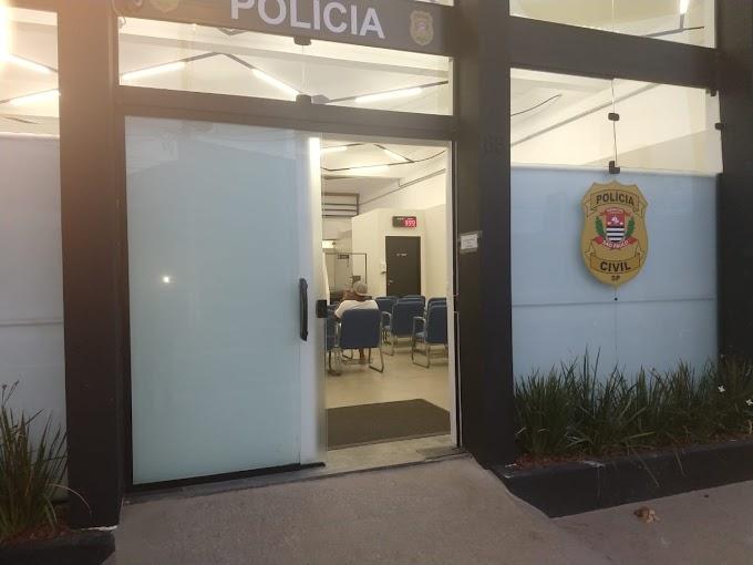 MOTOQUEIRO EM FUGA COLIDE COM MOTOCICLETA DA ROCAM, DO 17º BPM/M, E DEIXA POLICIAL FERIDO NO JARDIM CAMILA