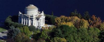 Blog dedicato ad itinerari da scoprire per gite e vacanze in Italia: Il tempio dedicato ad Alessandro Volta.