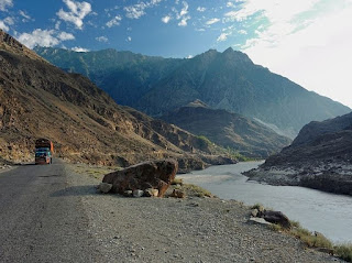 Mengenal Karakoram Highway, Jalur Logistik China - Pakistan Tertinggi Di Dunia (4.693 MDPL)