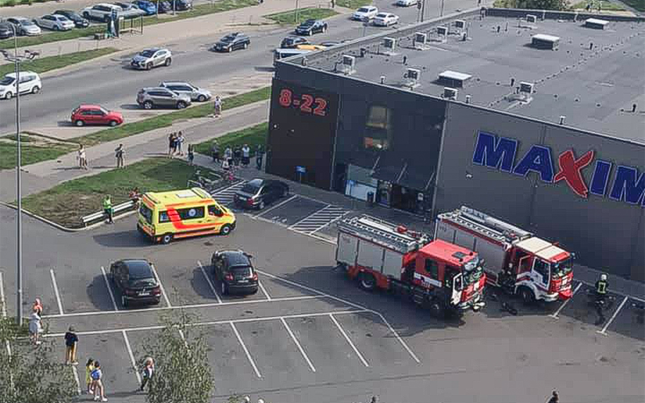 Dārzciemā evakuēja veikalu dēļ piedeguša ēdiena