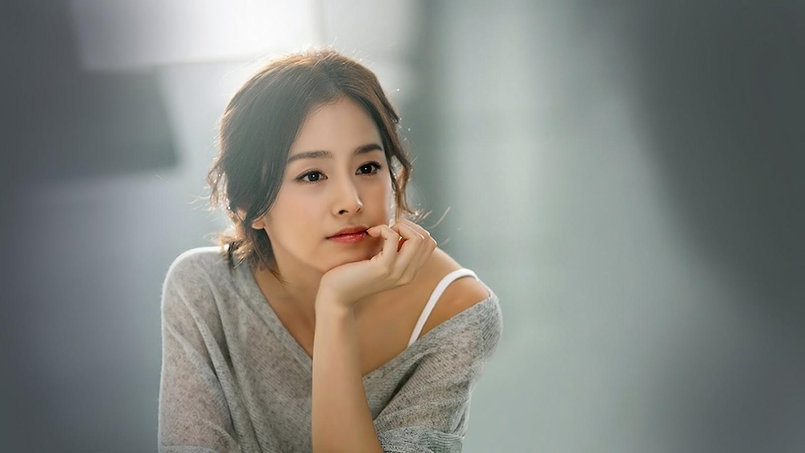 cewek manis dan seksi Biodata Kim Tae Hee
