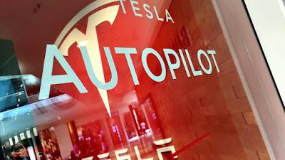 tesla eski mühendisine autopilot kaynak kodlarını kopyaladığından dolayı dava açtı