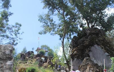 Batu Pandang Ratapan Angin