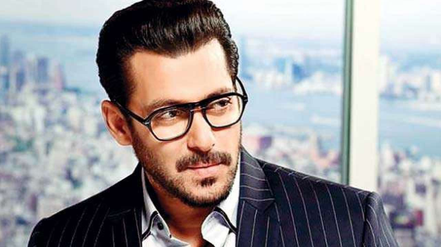 4-bollywood-actors-news-from-whom-nobody-wants-toscrew-the-number-4-most-dangerous