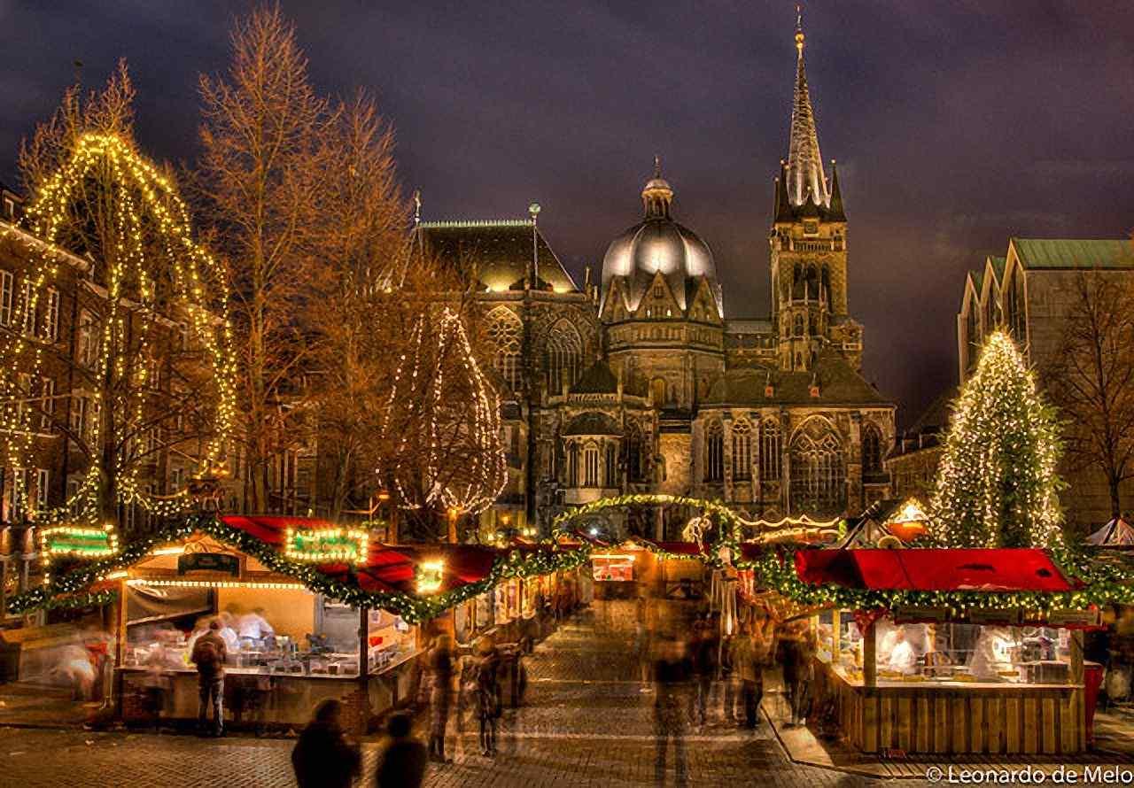 Natal, nas ruas estreitas da Aachen medieval