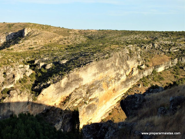 paredes caliza para escalada en Cuenca Valeria