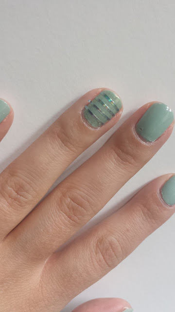 Nail-art : le stripping tape