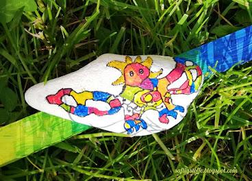 Feuervogel auf Stein gemalt, Niki de Saint Phalle