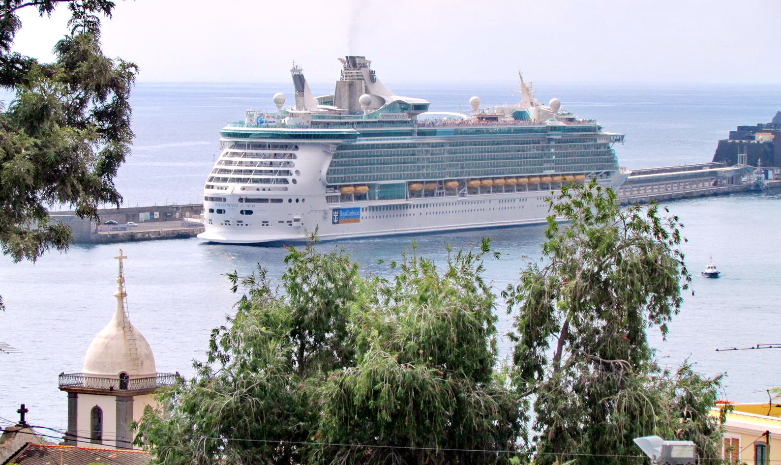Independence of the Seas in Funchal port