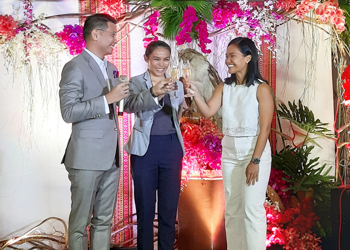 (L-R) Ken Kapulong, Seda Abreeza General Manager,   Jaime Conception of Malagos Chocolates and   Andi Baldonado of Philippine Eagle Foundation   toast to another year of a partnership of Kadayawan sa Davao.