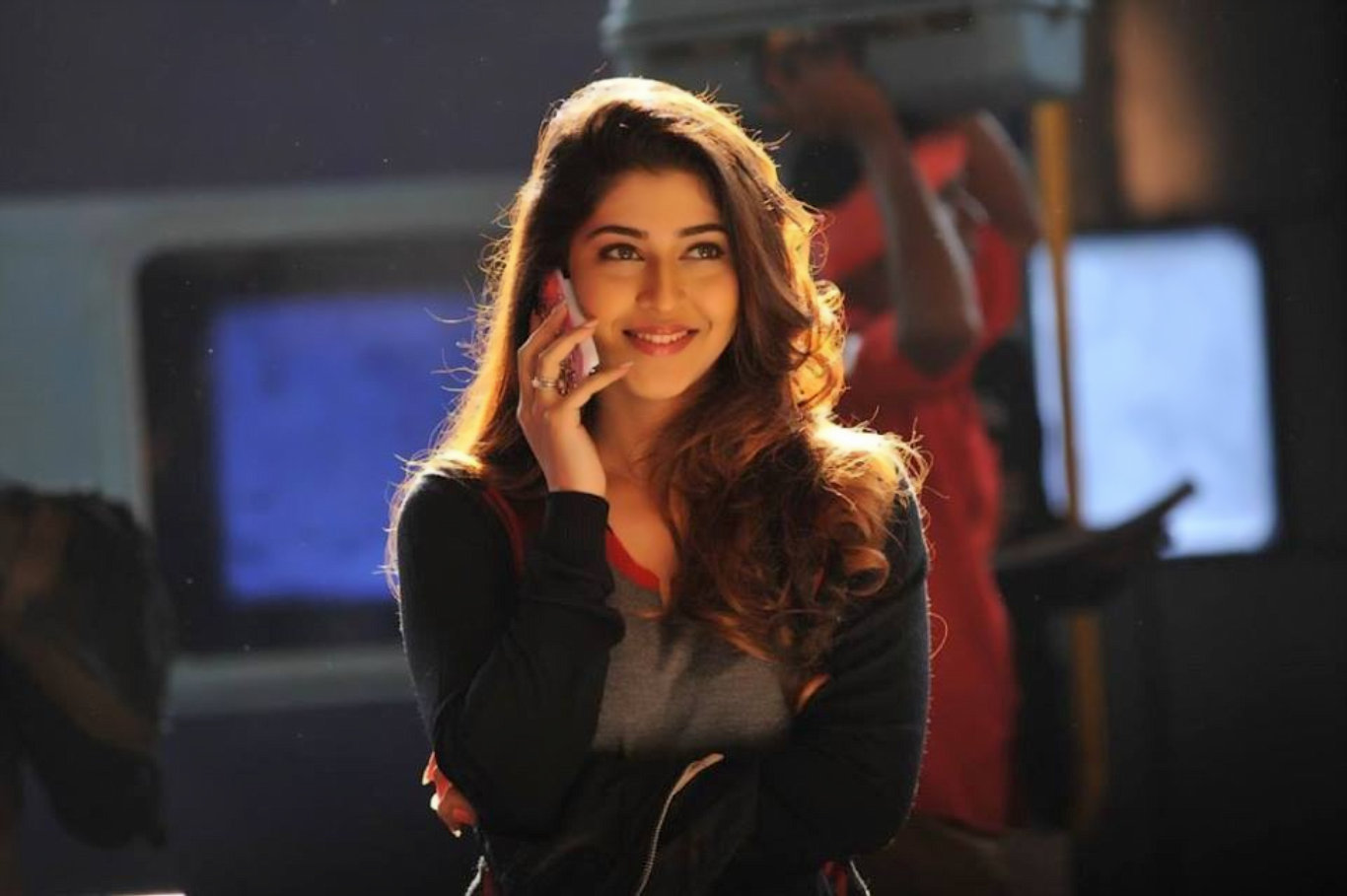 Sonarika Bhadoria Movie HD Wallpaper