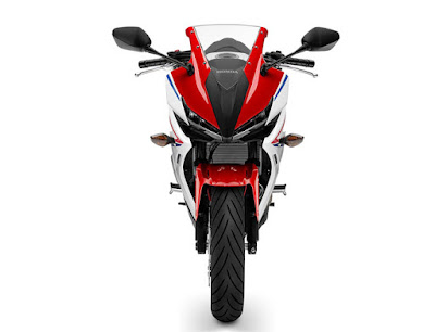 All New 2016 Honda CBR150R Facelift front look pose