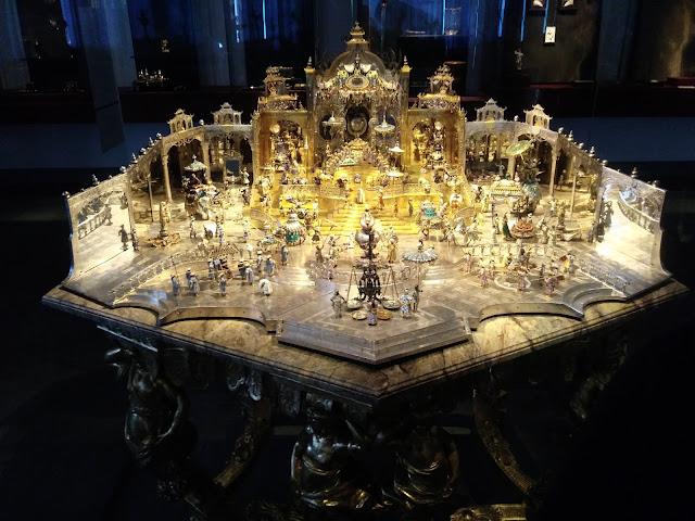 אוצרות בארמון המגורים