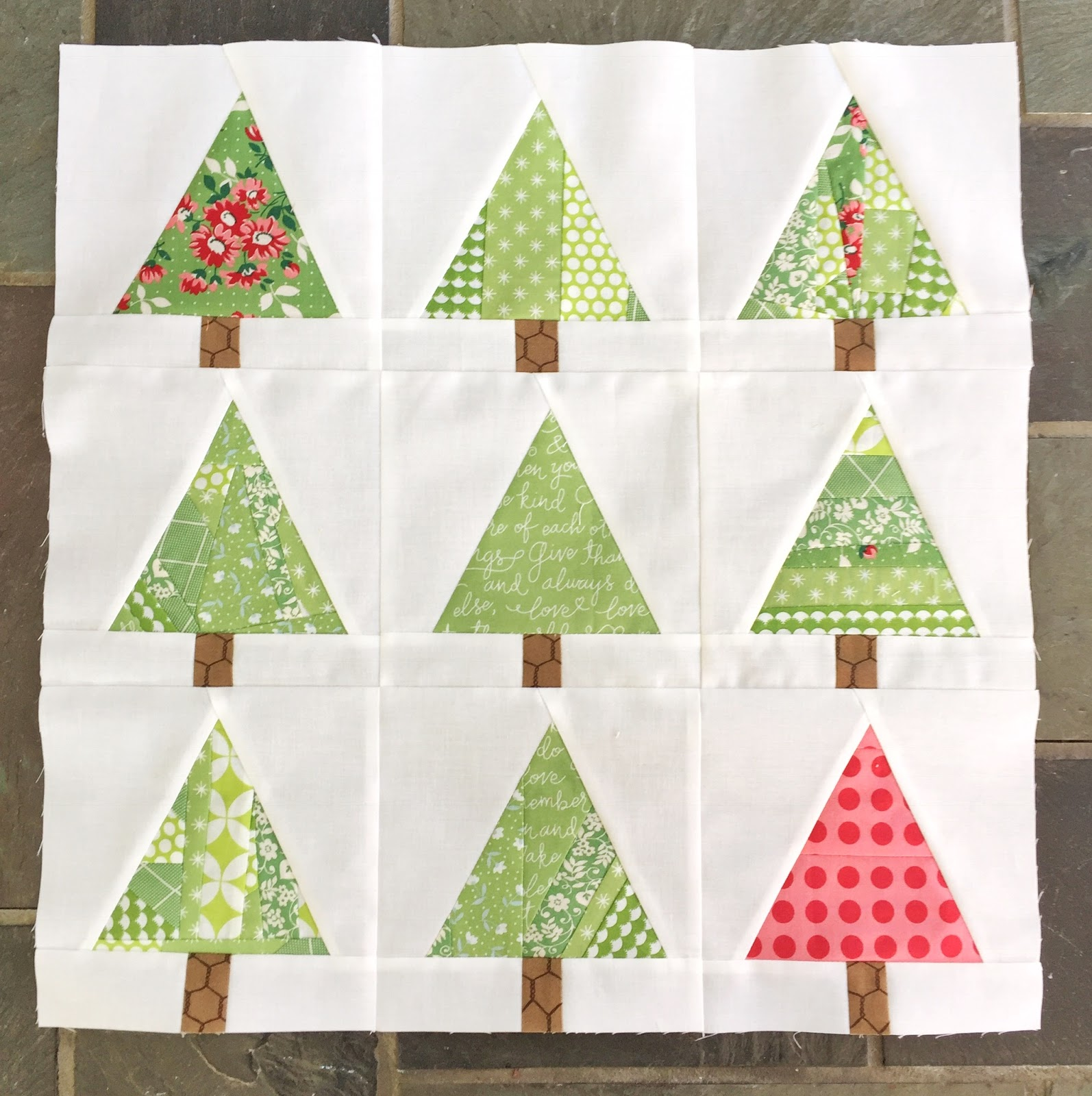 Skein and Hook: Tutorial: Mod Christmas Tree Pillow or Mini Quilt
