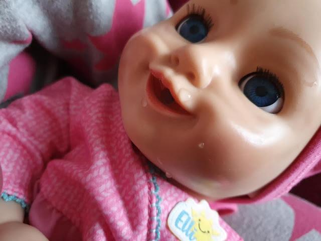 elli-smiles-interactive-doll-smiles