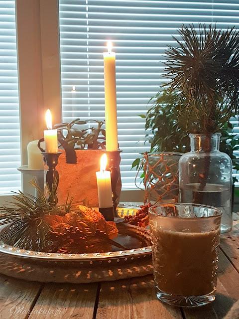 joulunodotus koti joulu asetelma kahvi olohuone tunnelma