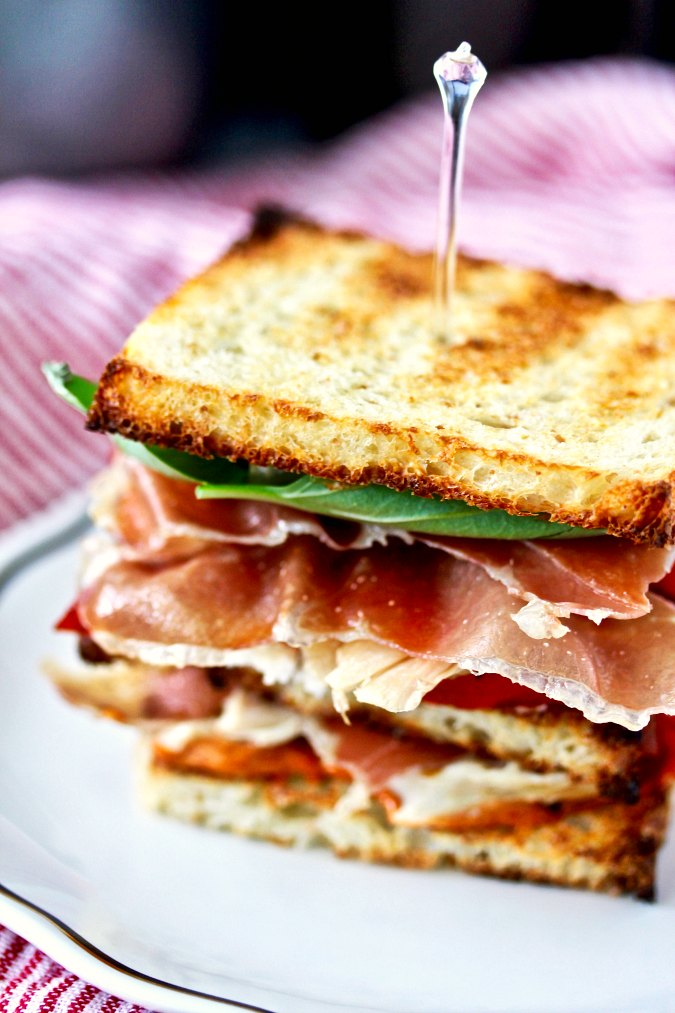 Chicken club sandwiches with prosciutto