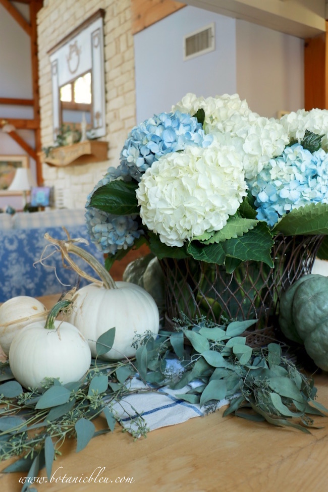 french-design-wire-basket-hydrangea-centerpiece
