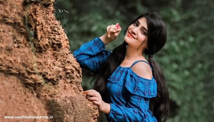 Malavika Sreenath Photoshoot Photos | Malavika Sreenath Instagram Ragalahari