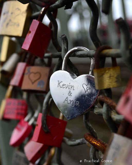 Love Locks Bridge in Köln