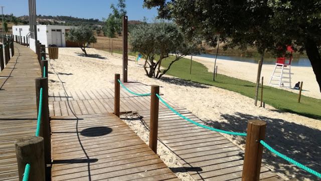 Acessibilidade á praia por rampas