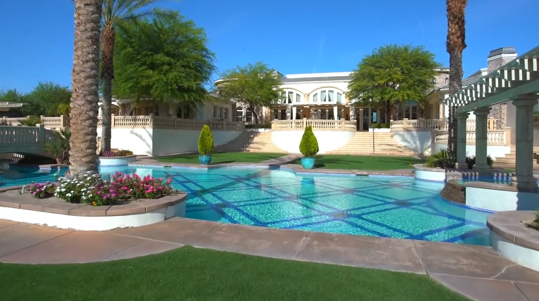 Tour Coachella Valley, CA Luxury Classic Mansion vs. 19 Interior Design Photos
