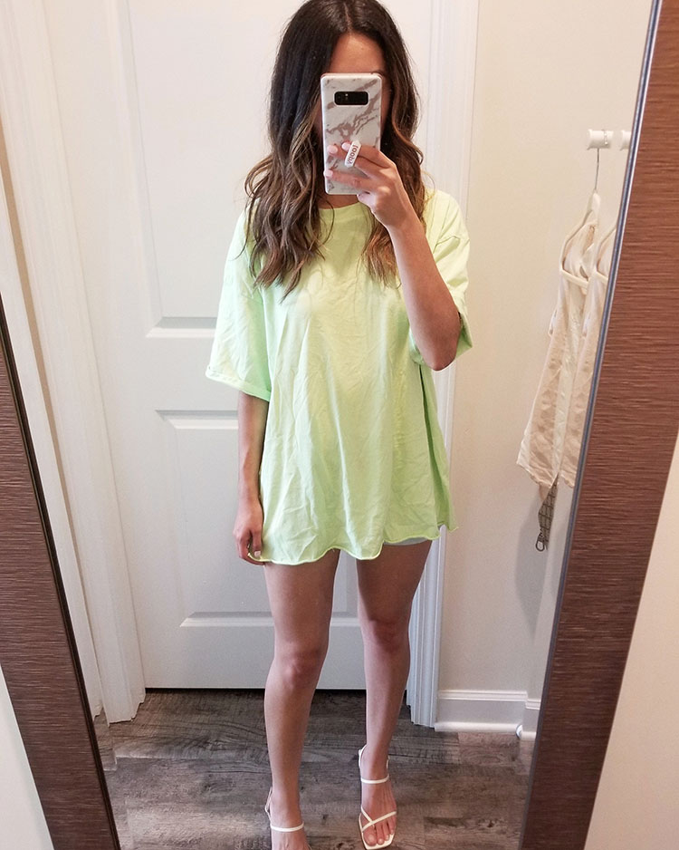neon green oversized tee outfit ideas | neon green summer outfit ideas | american eagle oversized tee