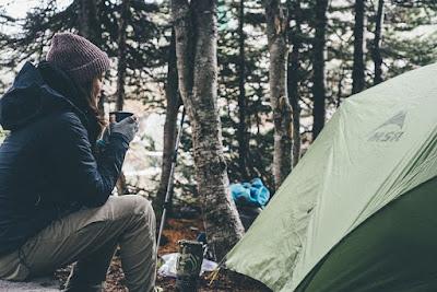 Perlengkapan-yang-harus-dibawa-saat-camping