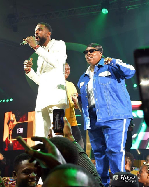 #Headies2019: Moment reality star Mike joined Teni to perform 'Case' at The Headies Awards 2019 (Video)