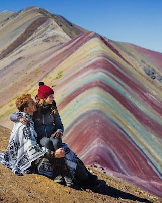 Foto en pareja goals montaña de 7 colores