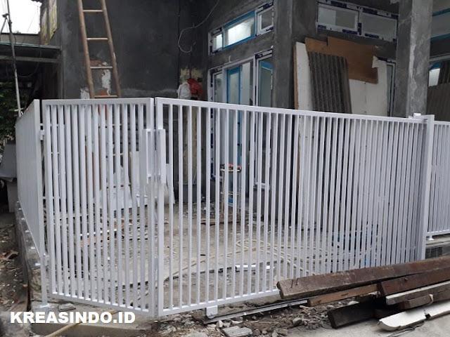 Pintu Pagar Besi Minimalis pesanan Bu Angel Yayasan Cempaka di Depok Dua