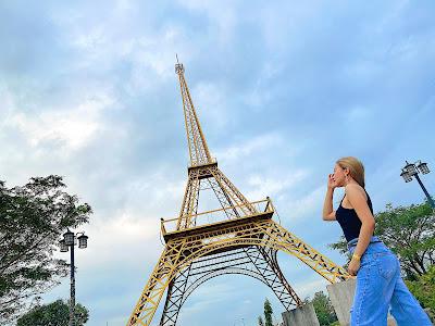 Torres Farm and Resort Eiffel Tower Paris