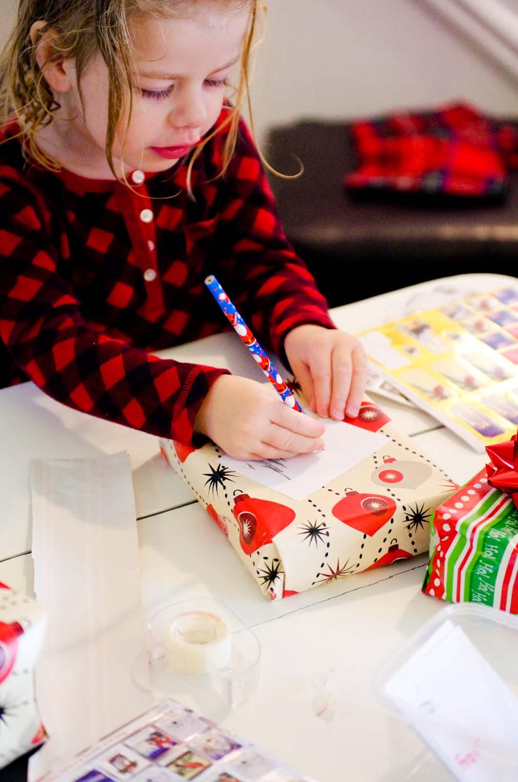 Play At American Girl: Gift Wrap Dramatic Play