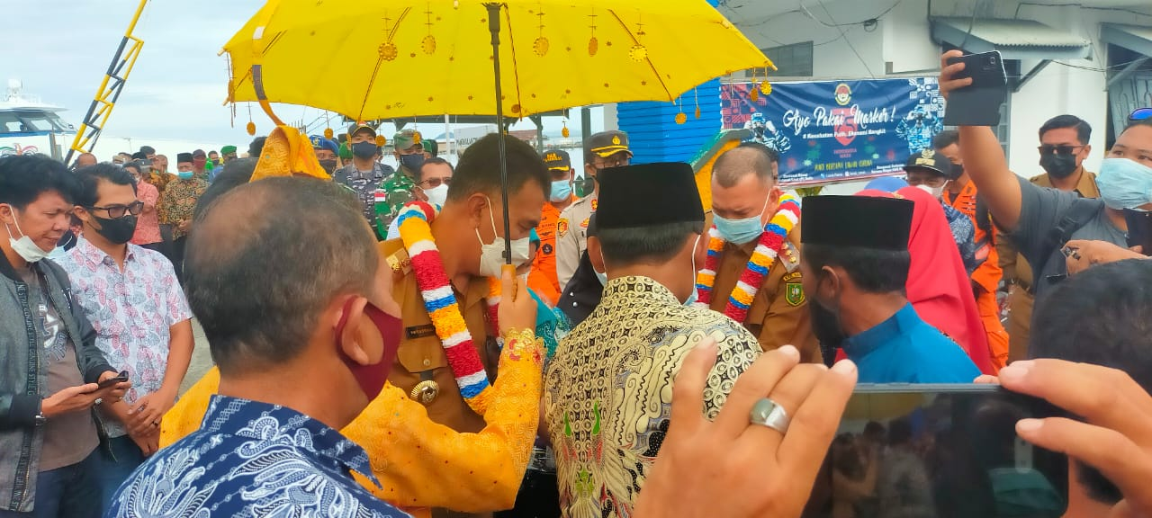 Bupati Bersama Ketua TP-PKK Kabupaten Natuna Melakukan Kunker Ke Sedanau Kecamatan Bunguran Barat