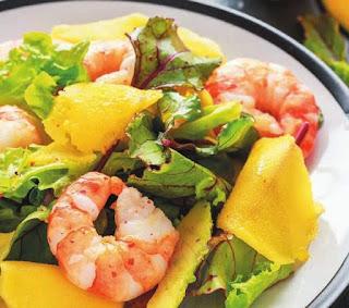 salat-s-krevetkami-mango-i-avokado