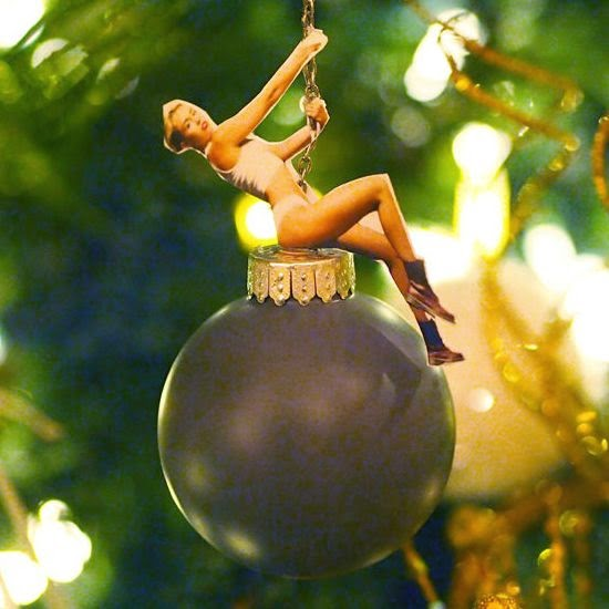 Miley Cyrus Wrecking Ball Christmas Ornament.Diy Miley Cyrus Wrecking Ball Ornament Tektonten Papercraft
