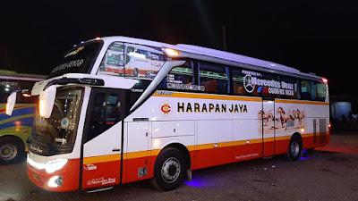 Foto Bus Harapan Jaya 579