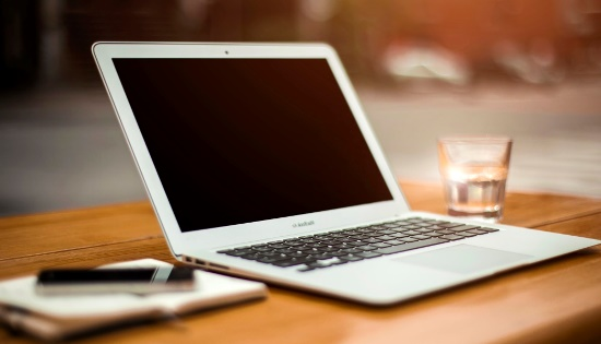 Apakah Laptop Termasuk PC atau Personal Computer?